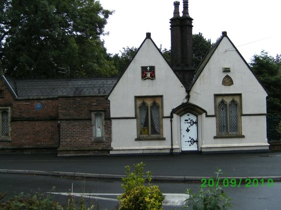 Bolton, UK: Freds house on Radcliffe Road.