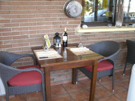 La Roca Restaurant Caribbean Grill: NUEVAS SILLAS
