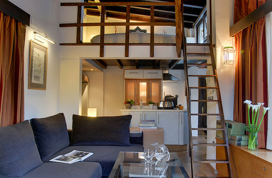 Apartamentos Muralla Ziri: Penthouse Private terrace with Alhambra view - Lounge, kitchenette & mezzanine bedroom
