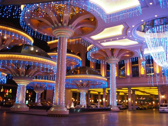 Sunway Resort Hotel & Spa: Entrance area is spectacular.
