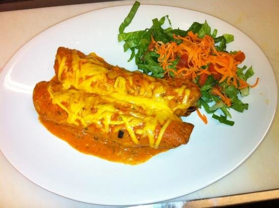 e.leaven Food Company: chiken flautas special today jummy delicios