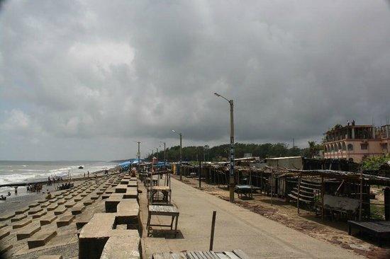 Hotel Blue View: beach near hotel