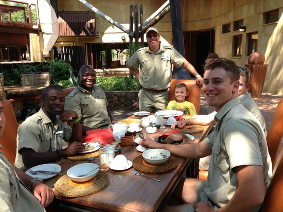 Tau Game Lodge: Friendly staff