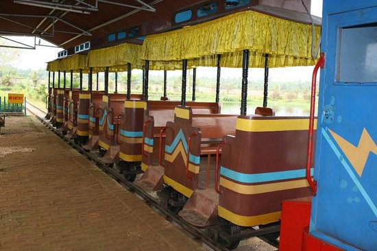 Hotel Blue View: Kagal dighi in old digha toy train