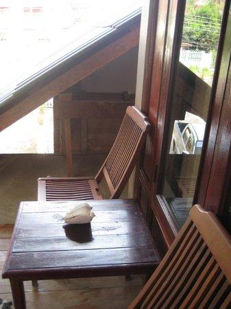 Nana Guesthouse: Balcony