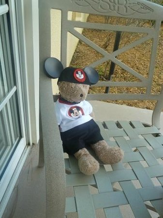 Disney's Saratoga Springs Resort & Spa: Patio and the bear
