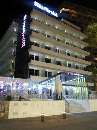 Hotel Brisa: Buitenzicht hotel 