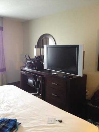 Comfort Inn & Suites I-10 Airport: big tv!!!! control remote a little weird