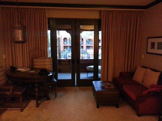 Omni Scottsdale Resort & Spa at Montelucia: Patio doors