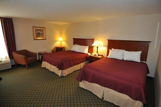 Fireside Inn & Suites - Nashua : Two Queen Beds Room