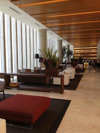 Atton San Isidro: Lobby