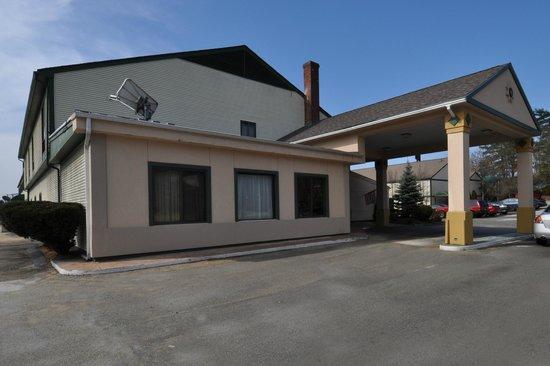 Fireside Inn & Suites - Nashua : Exterior View