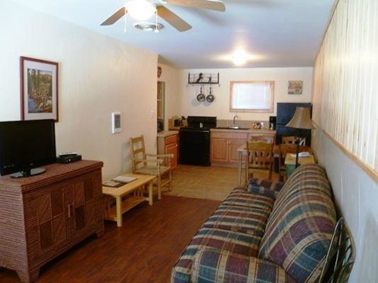 Rocky Mountain Inn: 2 Bedroom Example 2