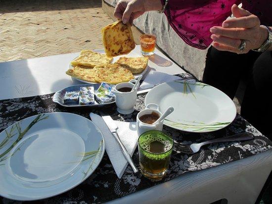 Hotel du Tresor: Moroccan pancakes