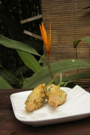 Tamarind Cooking Courses: stuffed lemongrass - ready to eat