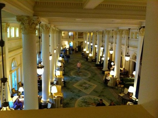 The Omni Homestead Resort: Foyer of the Homestead