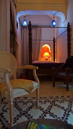 Riad Dar Oulhoum: bedroom on ground floor