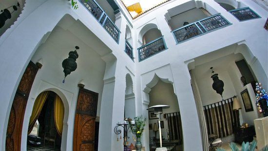 Riad Dar Oulhoum: view from the ground floor