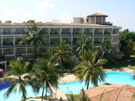 Eden Resort & Spa: Blick vom Balkon auf den gegenüberliegenden Hotelflügel