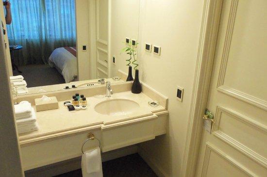 NH Collection Plaza Santiago: acesso ao banheiro