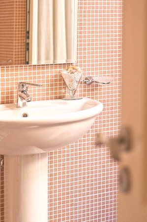 B&B Chiaro di Luna: Bathroom