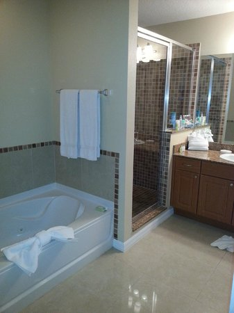 The Point Orlando Resort : bathroom