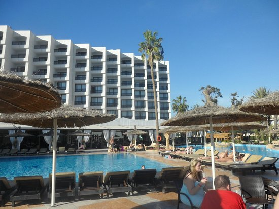 Royal Mirage Agadir Hotel: Hotel from pool bar