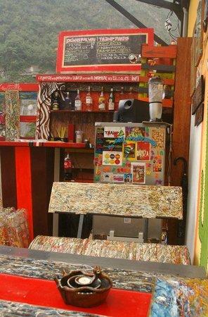 Supertramp Eco Hostel: terraza - bar