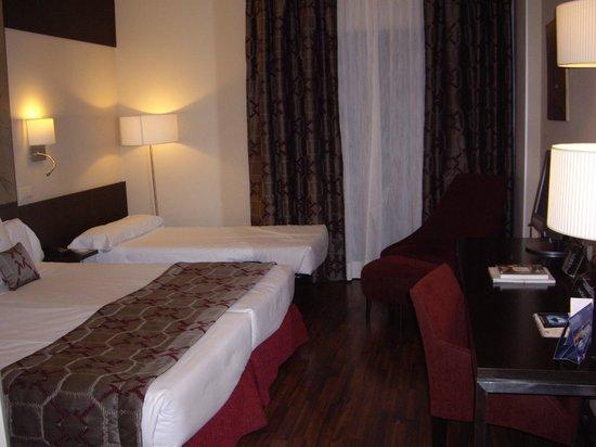 Hotel Paseo del Arte: habitación con cama supletoria