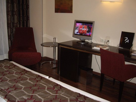 Hotel Paseo del Arte: habitación