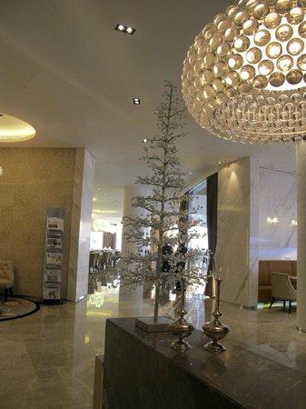 Jumeirah at Etihad Towers : ingresso al ristorante colazione