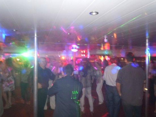 Posadas, Argentina: Baile al regreso del paseo nocturno