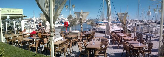 Olive Restaurant Grec : the view from the restaurant