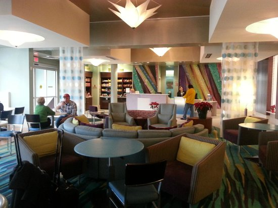 SpringHill Suites Philadelphia Airport/Ridley Park: beautiful lobby. great staff