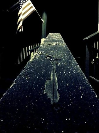 Americas Best Value Inn & Suites - Royal Carriage : Icy Railing in Moonlight