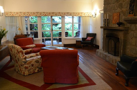 Gibb's Farm: Living Room