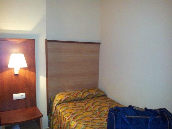 Best Alcazar Hotel: cama