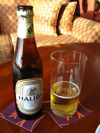 Sheraton Hanoi Hotel: Free beer from happy hour :)