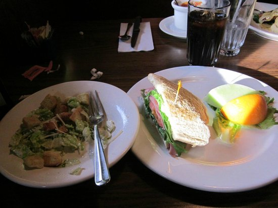Mimi's Cafe Anaheim: salad and hlf sandwich lunch special