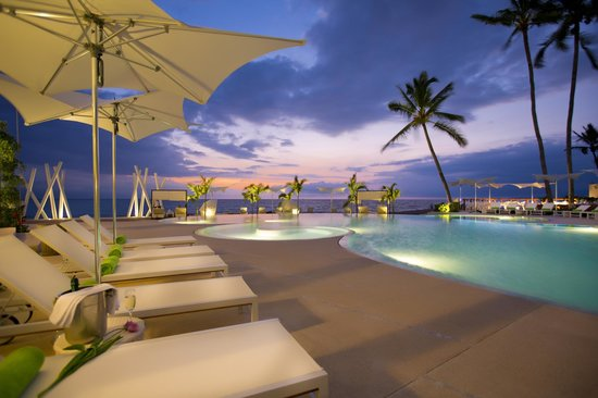 Magnificent sunsets are a daily occurence at the Hilton Puerto Vallarta Resort.
