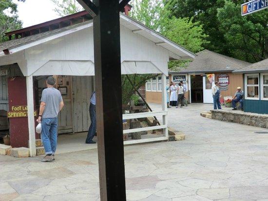 Ozark Folk Center State Park: the village