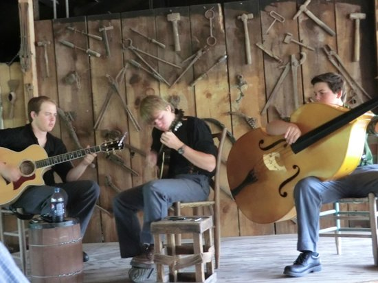 Ozark Folk Center State Park: the young talented musicians