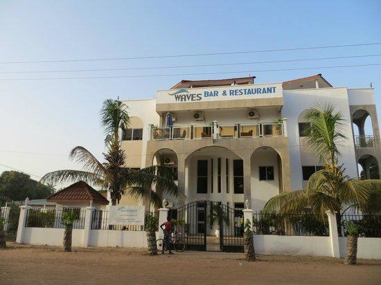 Wavecrest Hotel Gambia: Hotel Entrance