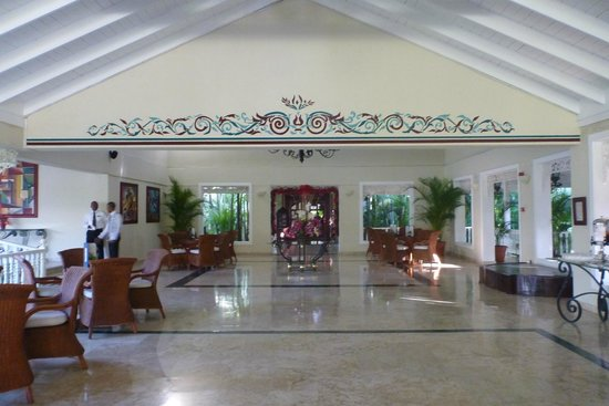 Grand Bahia Principe El Portillo: Hall