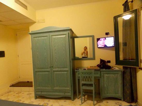 La Pergola Hotel: room view
