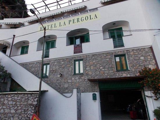 La Pergola Hotel: Hotel Access