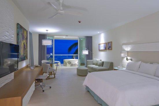 Hilton Puerto Vallarta Resort: Junior Suite Guestroom with Private Whirpool