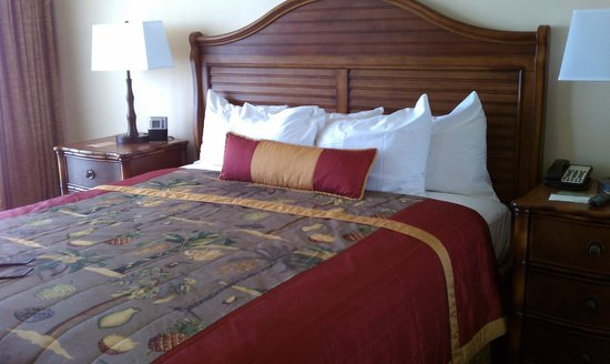 Outrigger Waikiki Beach Resort: Love the bed