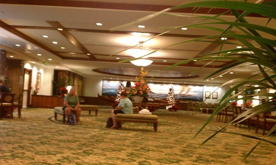 Outrigger Waikiki Beach Resort: Lobby