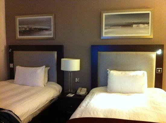 Hilton London Gatwick Airport: standard twin